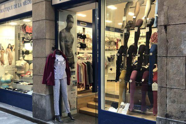 Fachada-Sombrereria-boutique-de-la-medias